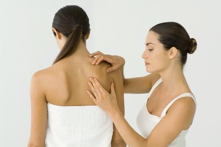 Лимфодренажный массаж: устраняем засоры и налаживаем водоотведение