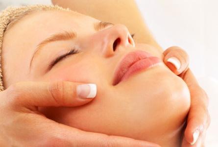 Нежный массаж для подтяжки кожи лица – ваше решение возрастных проблем