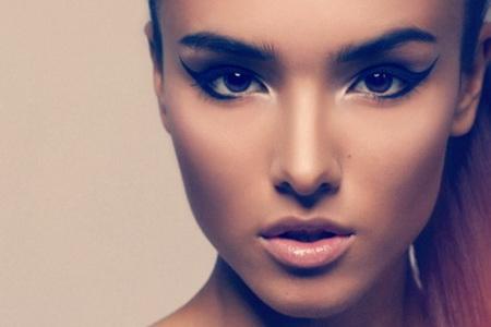 Нарисованная красота: плюсы и минусы татуажа бровей