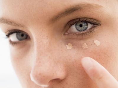 Особенности лазерного удаления перманентного макияжа